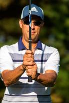 Todd demonstrating the overlap grip