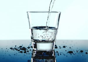 Glass of water, photo by rawpixel on Unsplash